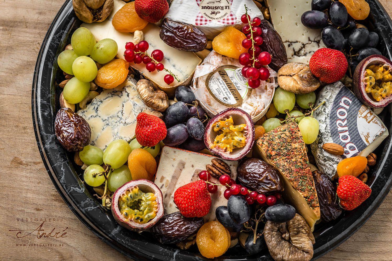 Plateau van kaas en fruit